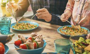 A alimentação pode contribuir para o surgimento do mal de Alzheimer?