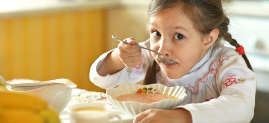 Imagem do post Alimentos quentes, como sopas, ajudam na recuperação de uma dor de garganta?