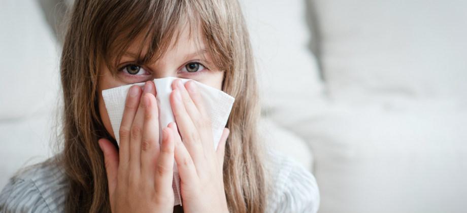 Por que o muco nasal pode aparecer com cores diferentes?