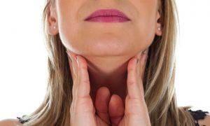 Uma garganta inflamada pode inchar a ponto de fechar as vias respiratórias?