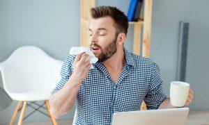 Por que espirramos quando estamos com alergia?