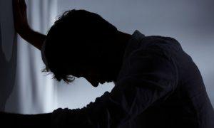 Tratamento para esquizofrenia ajuda morador de Goiânia a se livrar da paranoia
