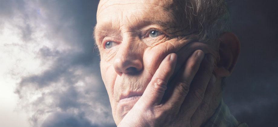Pacientes com Alzheimer podem desenvolver delírios causados pela doença?