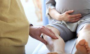 Os sintomas das varizes podem piorar durante a gravidez? Por que?