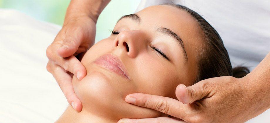 Imagem do post A fisioterapia dermatofuncional pode ajudar a retardar o envelhecimento facial?
