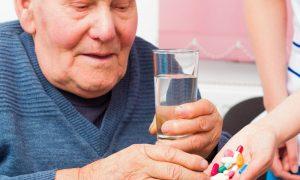 Alzheimer: a substituição dos remédios sem autorização médica atrapalha o tratamento?