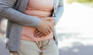 Prender os gases intestinais pode trazer riscos para a saúde?