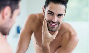 A água dermatológica pode ser usada para aliviar a pele após fazer a barba?