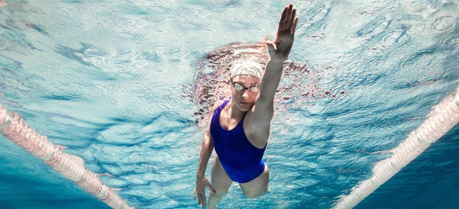 A natação é uma boa atividade física para quem tem asma?