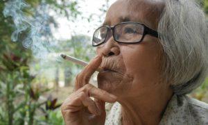 Fumar cigarro contribui para o envelhecimento facial?