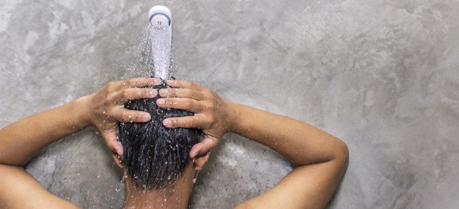 Imagem do post Lavar muito o cabelo pode provocar a calvície no futuro?