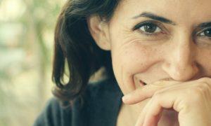 Por que a pele próxima aos olhos mostra sinais de envelhecimento mais rápido?