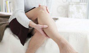 Como é o desconforto sentido pelos pacientes com varizes?