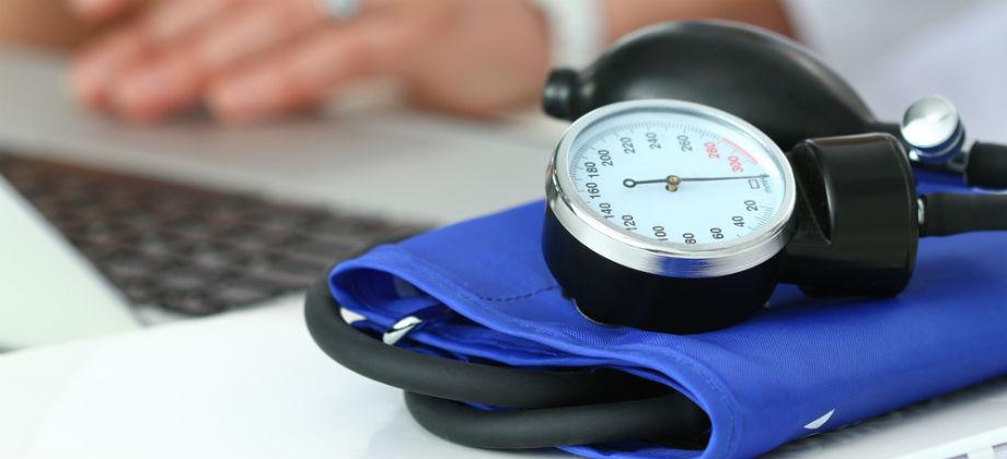 Você sabia que abandonar o tratamento da hipertensão eleva seu risco de complicações relacionadas à doença?