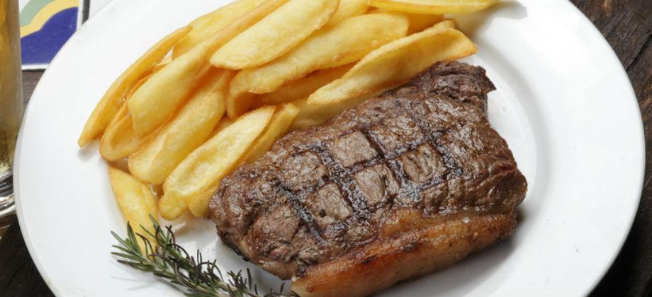 Qual a relação do consumo de carne vermelha e o colesterol ruim (LDL)?