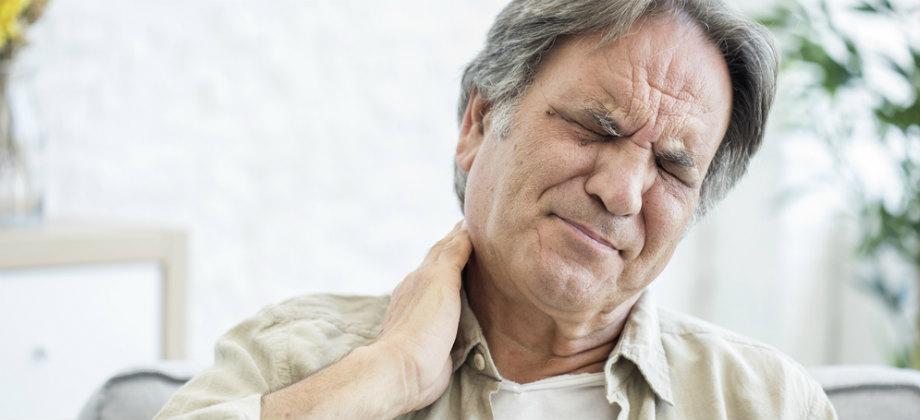 Dor na nuca pode ser um sintoma de hipertensão descontrolada?