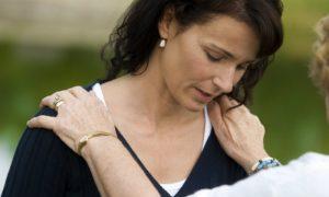Qual é a importância da família no tratamento da esquizofrenia?