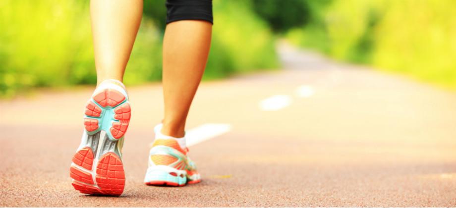 Pressão alta: caminhadas podem ajudar a controlar a doença?