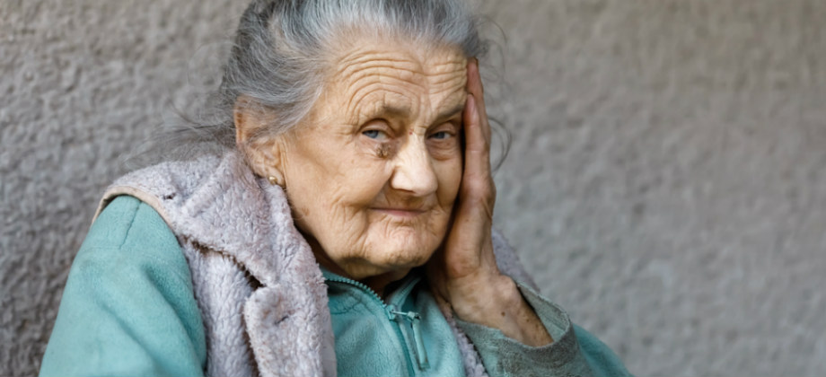 A osteoporose está relacionada com a diminuição da estatura em idosos?