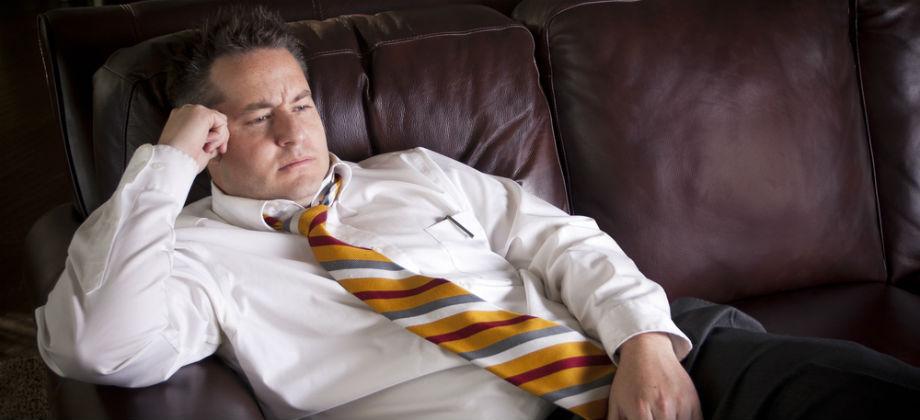 De que forma o sedentarismo contribui para a hipertensão?