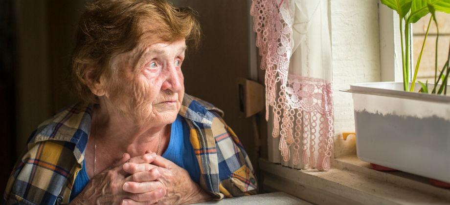 Idosa volta a fazer tratamento para osteoporose por causa de dor intensa nas pernas