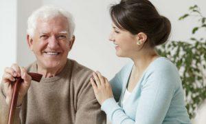 O tratamento pode prolongar a vida de um idoso diagnosticado com Alzheimer?