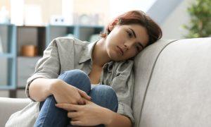 Dor, alterações no sono e no peso: Conheça alguns sintomas pouco conhecidos da depressão