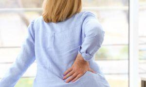 Tratamento da osteoartrite reduz dor nas costas de dona de casa de São Paulo