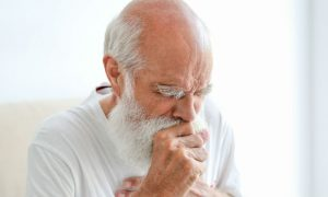 Com que idade começam a aparecer os primeiros sintomas de DPOC?