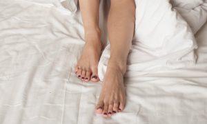 Os sintomas das varizes podem ficar mais fortes à noite? Por quê?