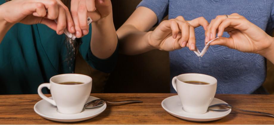 Imagem do post Açúcar ou adoçante? O que usar no café para ajudar a emagrecer?