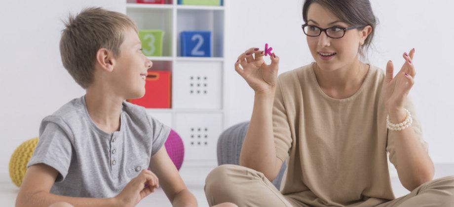 Imagem do post Autismo: de que forma o transtorno causa problemas de comunicação?