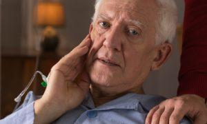 Alzheimer: médico explica como são as fases da doença
