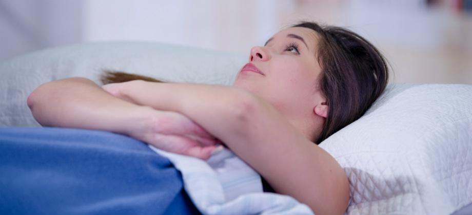 Insônia: estresse pode ser uma causa para o problema? Como evitar?
