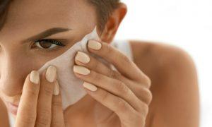 Oleosidade na pele: o que é o efeito rebote?
