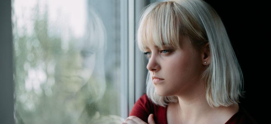 Imagem do post Esquizofrenia sob controle: Existem eventos que podem engatilhar novas crises da doença?