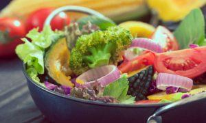 Quais alimentos podem ajudar a controlar a pressão arterial?