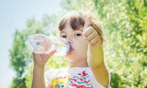 Imunidade: beber água é importante para fortalecer o corpo contra doenças?