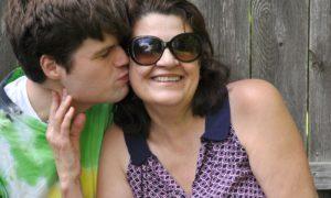 Uma criança com autismo pode se tornar independente na vida adulta?