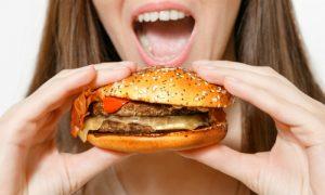 Dieta para emagrecer: ter um dia livre na semana pode prejudicar resultados?