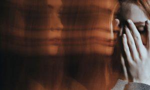 Esquizofrenia desorganizada: saiba quais são as características dessa manifestação da doença