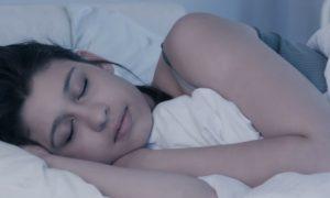 Insônia: existe alguma posição ideal para dormir?