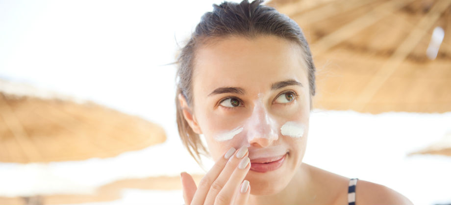 A proteção solar adequada pode melhorar a aparência geral da pele? Por quê?