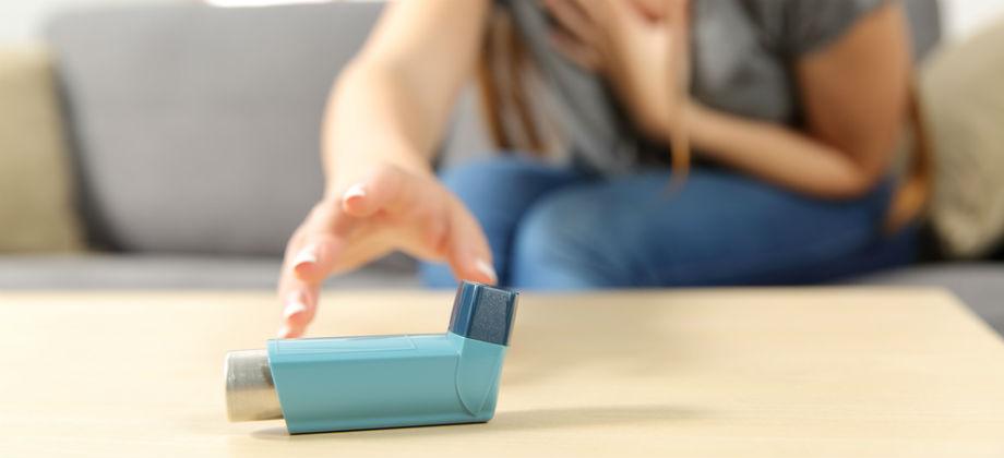 Imagem do post Todos os pacientes com asma precisam usar a bombinha?