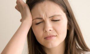 Pressão baixa ou pressão alta? Como identificar sintomas e ajudar quem está passando mal?