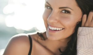 Qual é o papel do ácido hialurônico na busca por uma pele jovem?