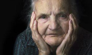 Caduquice? Esclerose? Conheça nomes errados da doença de Alzheimer