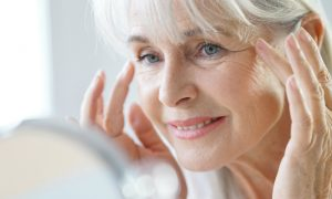 Quais são os primeiros locais onde é possível perceber a pele flácida?
