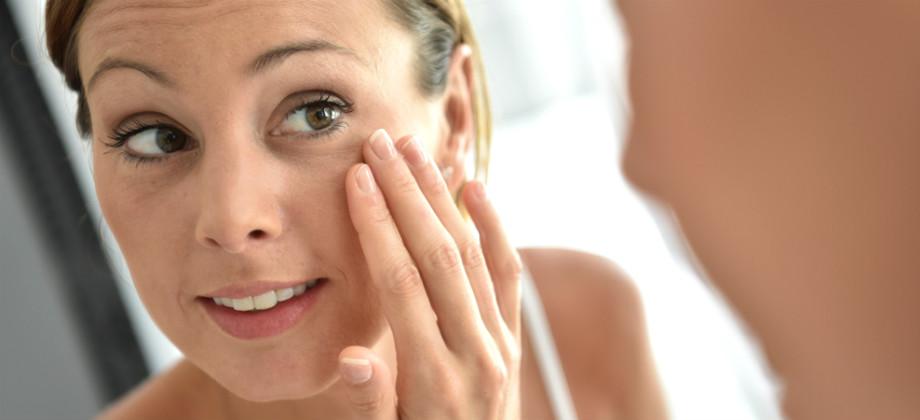 Quais hábitos do dia a dia podem ajudar a reduzir olheiras?