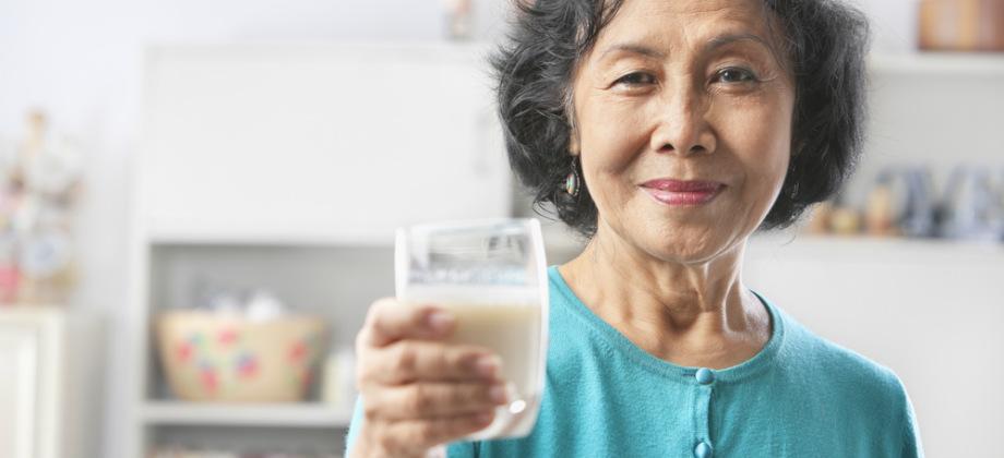 Qual é o papel das vitaminas C e D para a saúde das articulações?